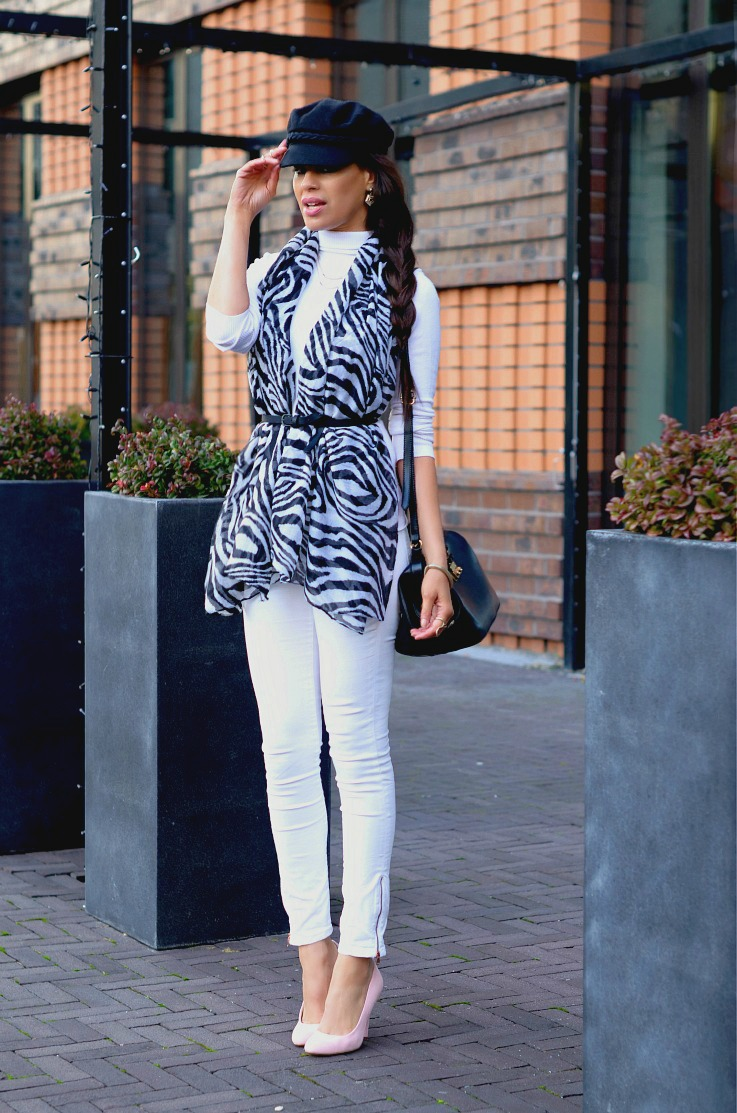 DSC_9103 zebra scarf resize