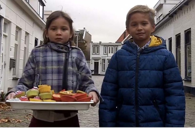 Dutch-Filipino kids selling cupcakes