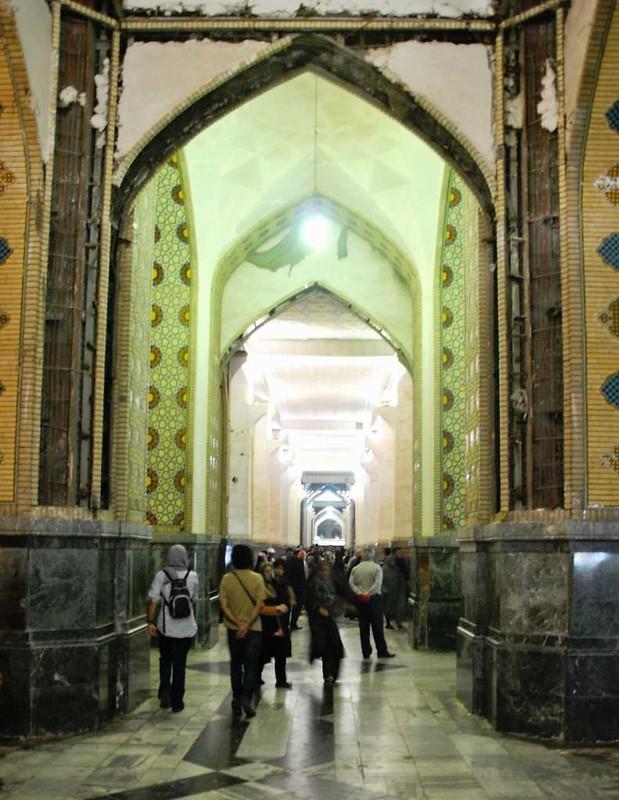 151 Soportales de la entrada a la Mezquita Iman Reza en Massahd (5)