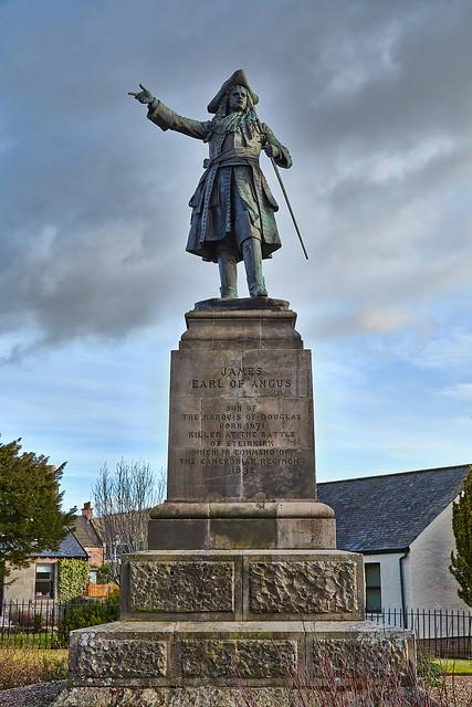 Earl of Angus Statue