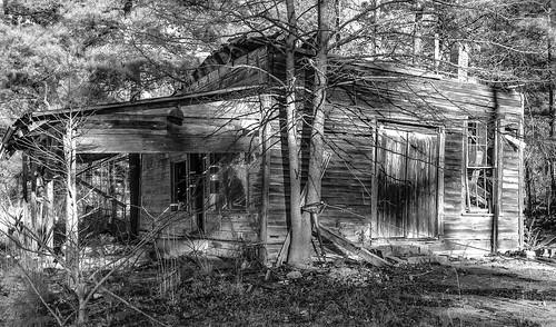 bw rural georgia unitedstates photoaday shack macon iphone