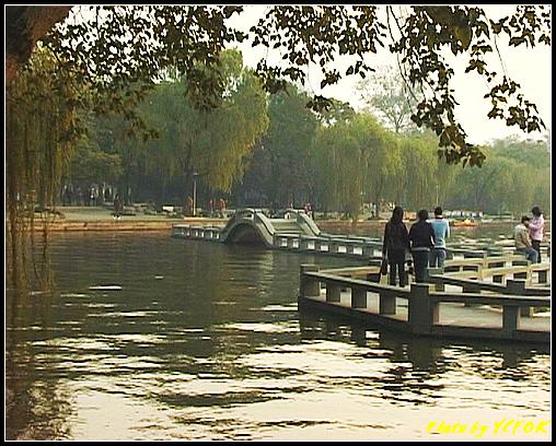杭州 西湖 (其他景點) - 556 (西湖十景之 柳浪聞鶯 在這裡準備觀看 西湖十景的雷峰夕照 (雷峰塔日落景致)
