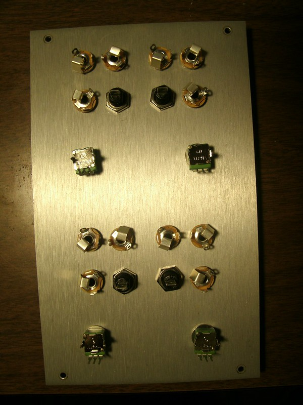Buchla DIY: Quad 110 Gate FP