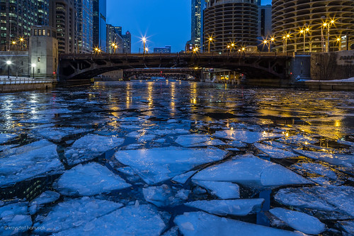 city bridge winter chicago ice night skyscraper buildings river dark season lights frozen illinois view unitedstates iceberg lantern hanusiak