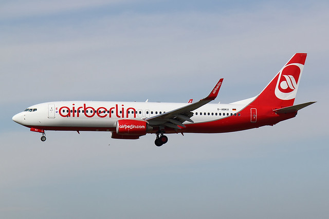 Air Berlin - B738 - D-ABKU (1)
