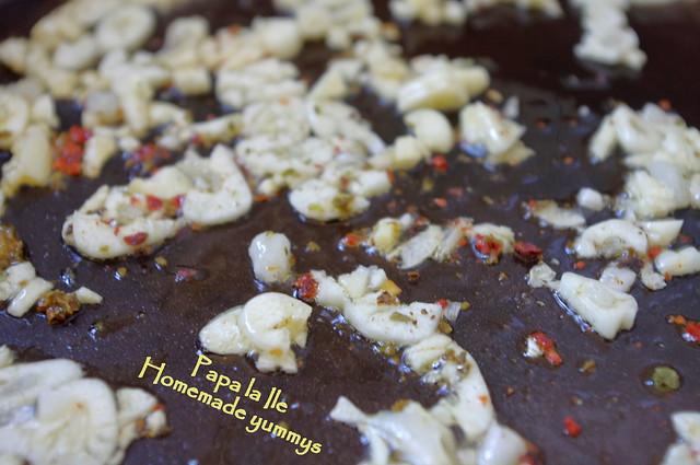 Paste proaspete cu rosii usturoi si busuioc (5)
