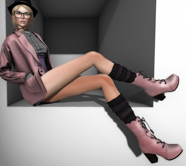 G Field Posy Scalloped Boots