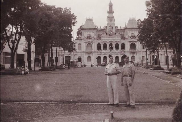 Saigon Octobre 1949 - Photo by Robert Tison - Hôtel de Ville