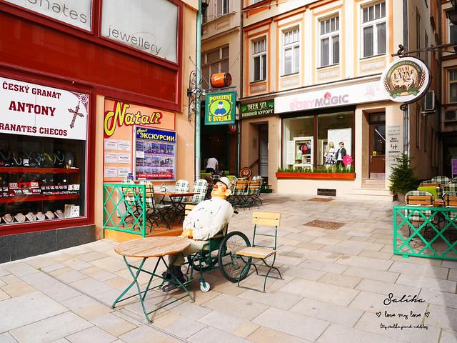 捷克Karlovy Vary餐廳推薦Restaurace U Svejka德國豬腳 (3)