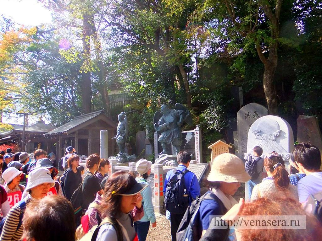 Статуи Тэнгу. Гора Такао.
