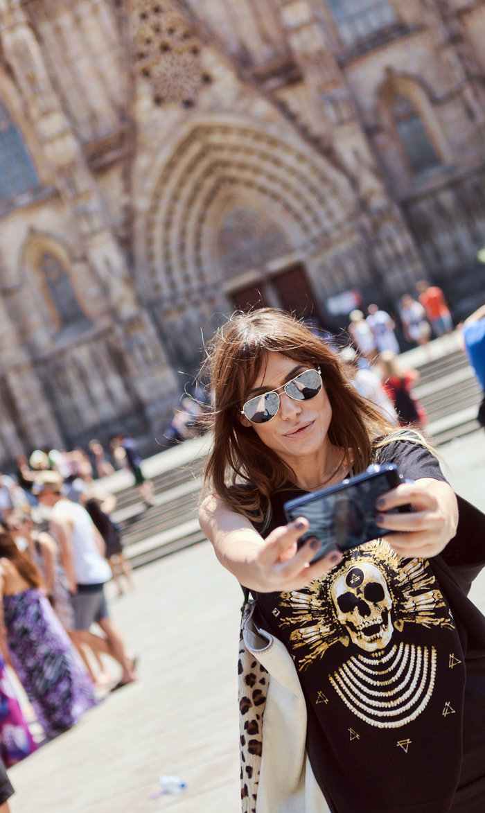 street style barbara crespo barcelona travels cruisse holidays ship outfit gothic