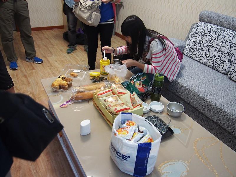 QH02qinghaihuchaka breakfast P8200320