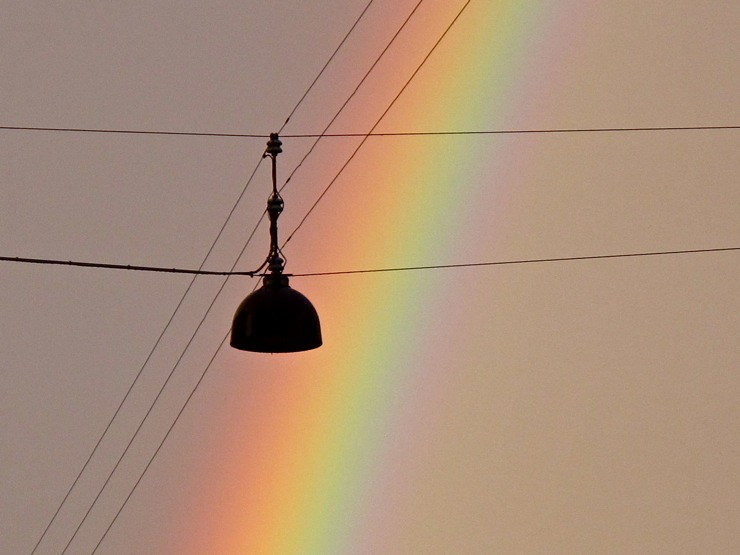 Copenhagen lamp w. rainbow backdrop