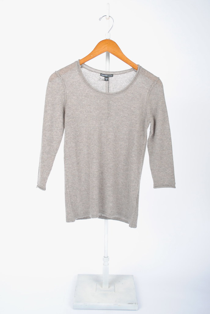 Lightweight Cashmere Jewel Neck Sweater