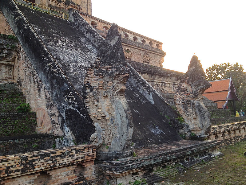 Phra Dhatu Chedi Luang Architectural Details