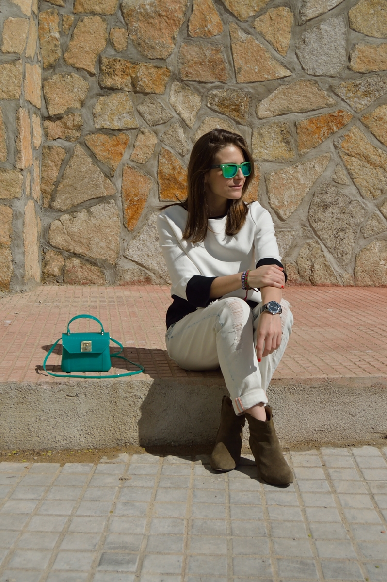 lara-vazquez-madlula-blog-green-white-furla-look