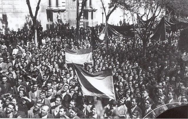 Proclamación de la II República en Toledo, el 14 de abril de 1931 (c) Fondo Rodríguez. Archivo Histórico Provincial. JCCM. Signatura Album4-1454