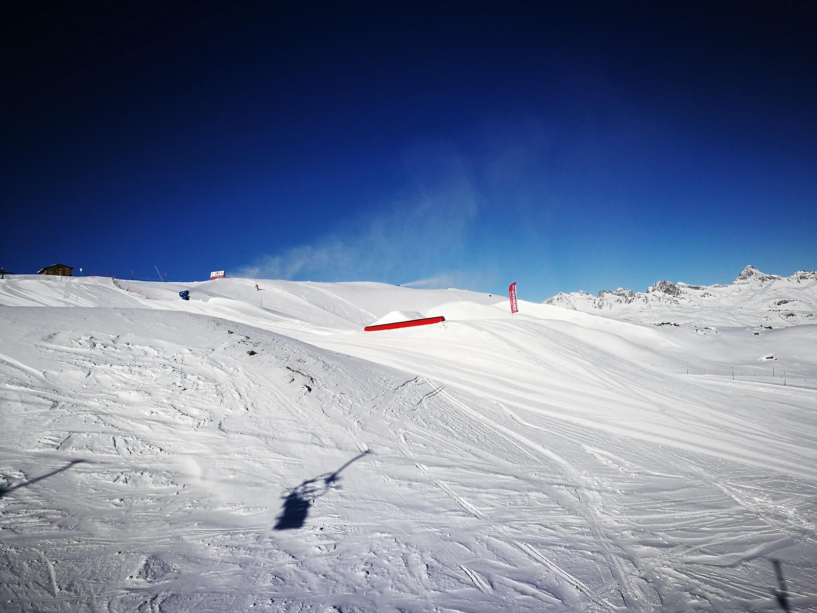 Blue skies over the ski park