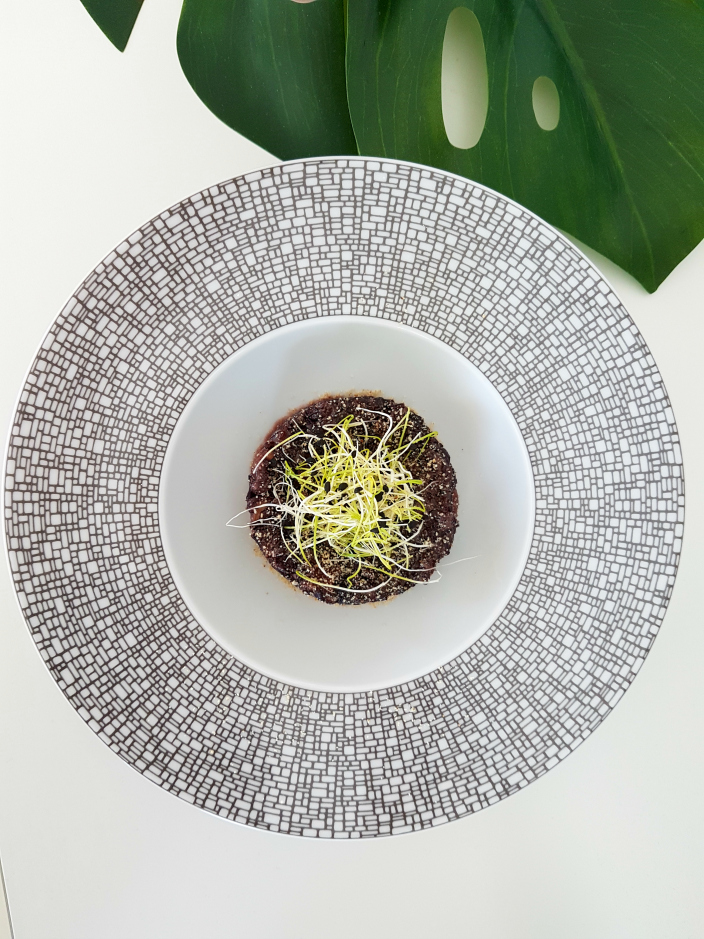 Black Risotto with hazelnuts and dried tomato (006b)