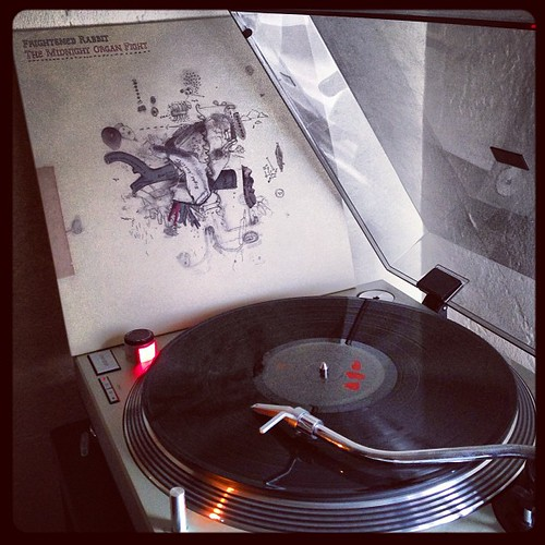 #todaysoundslikethis #frightenedrabbit #clubrpm #vinyligclub #midnightorganfight #vinyligclub #saturdaysounds #photographicplaylist #giftrecordsrule by Big Gay Dragon