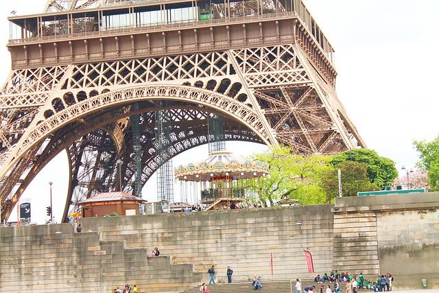 PARIS 589
