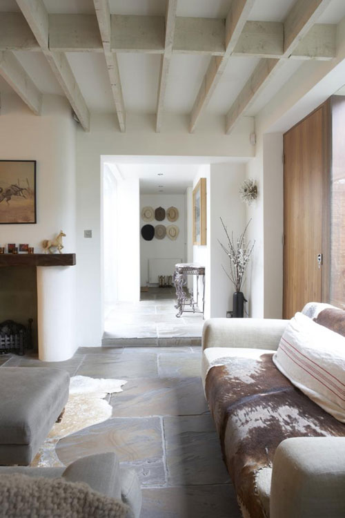 A CHARACTERISTIC HOME IN LONDON | THE STYLE FILES