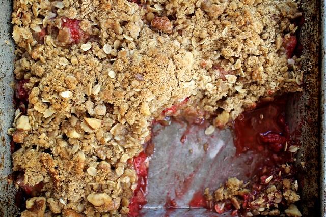 Strawberry Raspberry Crisp