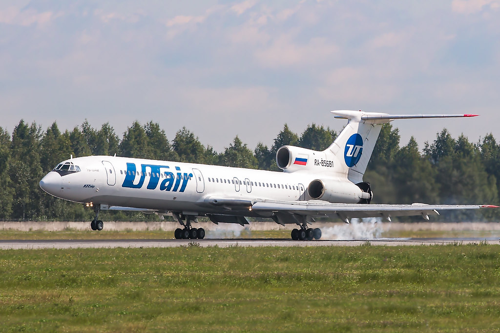 Tu-154M RA-85681 is landing in ULLI