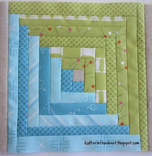 log cabin, sewing mat WIP
