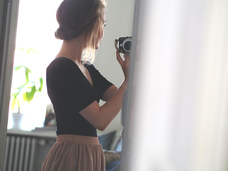 takaa hiukset