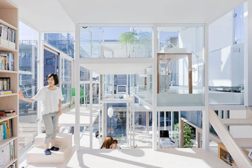 Transparent House 1