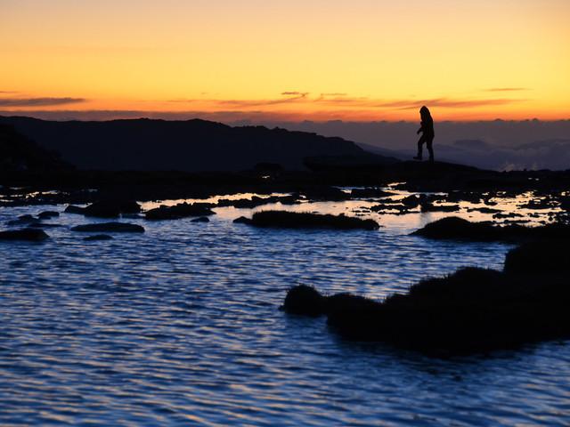 Silueta al amanecer en Siete Lagunas en lo alto del Mulhacén