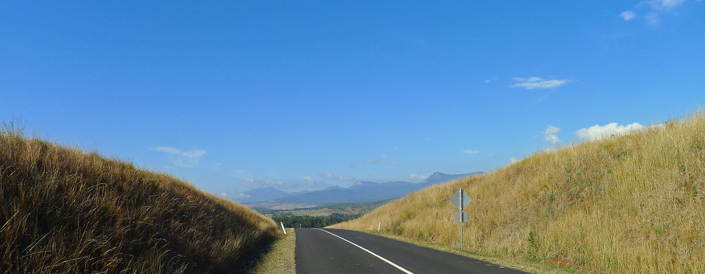 The Great Dividing Range from Rosewood-Aratula Road