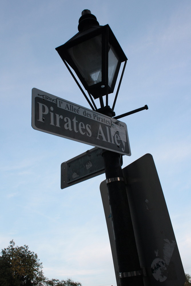 2012 03 NOLA Pirate Alley