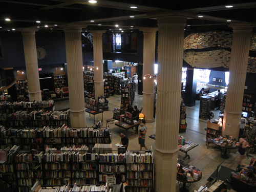 DSCN8931 _ The Last Bookstore, LA