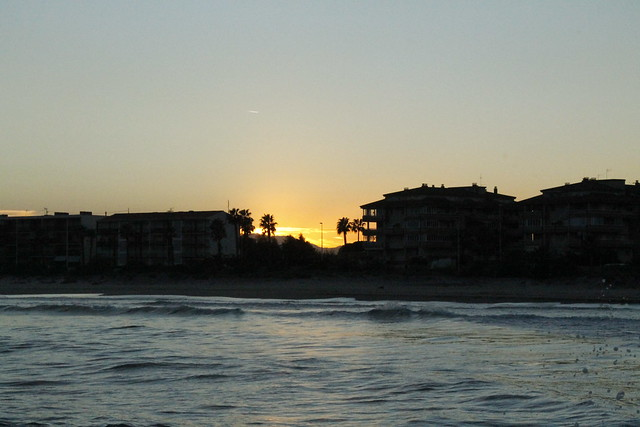 playa grao de castelló de la plana - olas surf