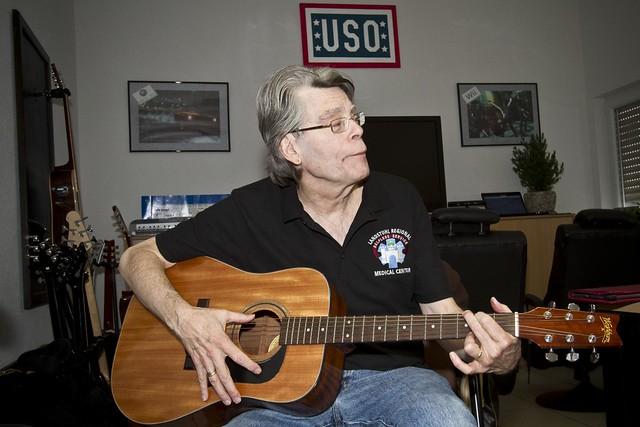 Stephen King visits USO Warrior Center