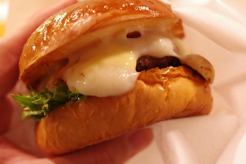 Mushroom Cheese Burger @TIN'z BURGER MARKET 11 PENTAX K-3