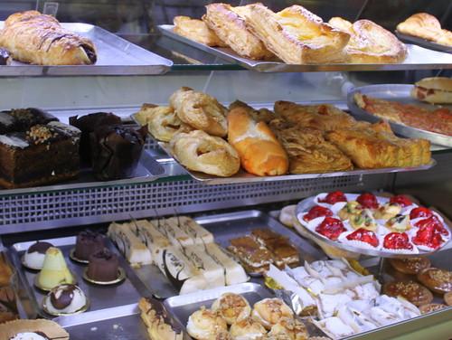Aroma cake shop, Arona