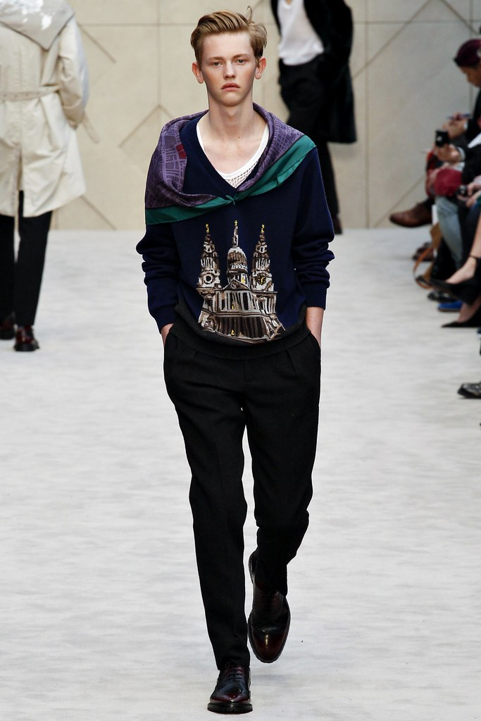 FW14 London Burberry Prorsum007_Robbie McKinnon(VOGUE)