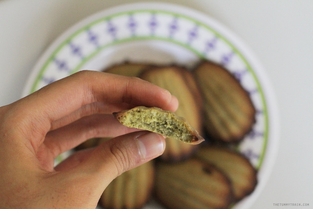 12633285574 c262ba55f8 b - My not-so-green Green Tea Madeleines and my blogger blues