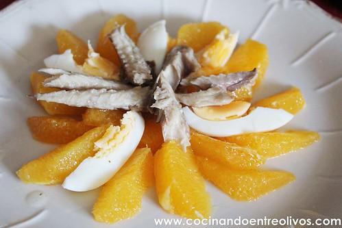 Ensalada de naranjas y caballa. www.cocinandoentreolivos (8)