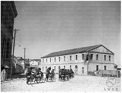 7 PRILL 1939. DURAZZO SOTTO L'NVASIONE. PRESSO LA BANCA COMMERCIALE DI DURAZZO. (B.K.T.). FOTO DAL ISTITUTO LUCE.