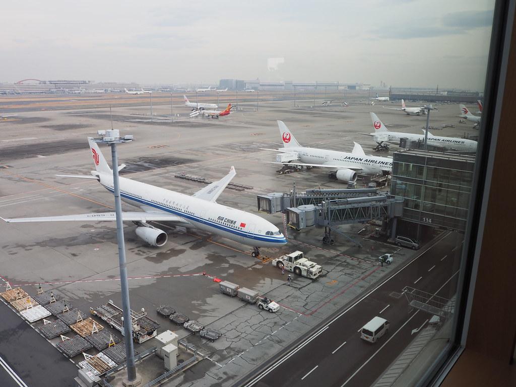 羽田空港キャセイラウンジ