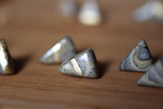 Stud earrings handmade with polymer clay marble effect with gold glitter