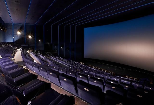 4K雷射投影巨幕廳