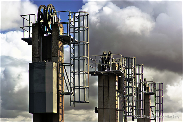 Towering couds