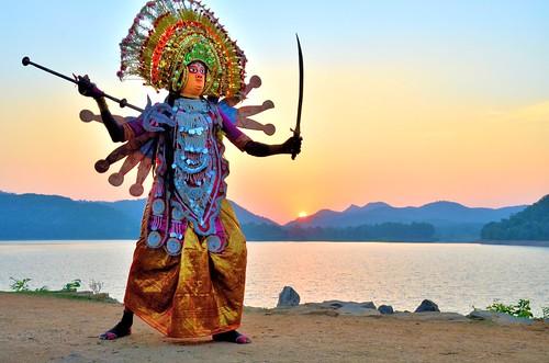 travel sunset india tourism dance ancient dancers mask folk traditional goddess dancer tribal folkdance tribaldance durga ramayana westbengal chhau explored purulia warriordance murguma pallabseth oldestmaskeddance