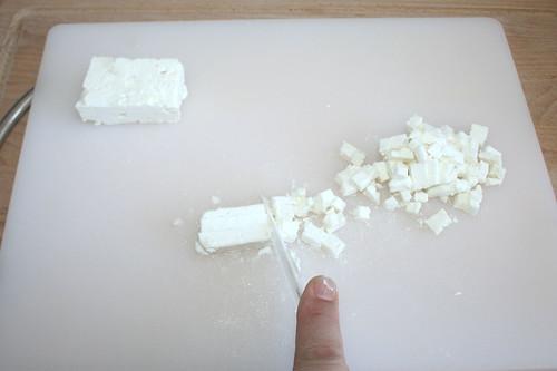 16 - Feta würfeln / Dice feta