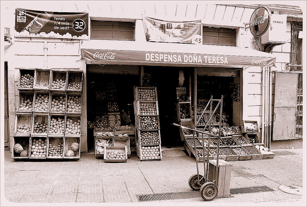 montevideo vegetable store